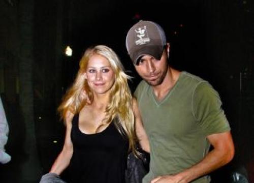 Enrique Iglesias Has Not Introduced Anna Kournikova To His Dad