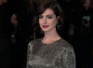 Anne Hathaway And Julie Taymor Team Up For Grounded