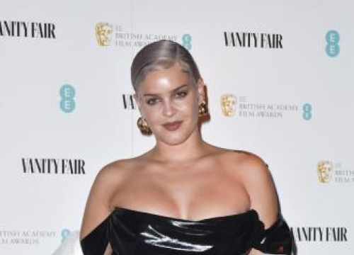 Anne-marie Considered Quitting Music For Her Mental Health