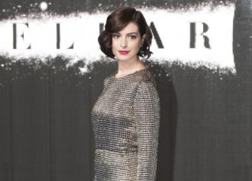 Anne Hathaway Stopped Drinking For Son