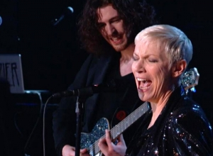 Hozier & Annie Lennox - Take Me to Church / I Put a Spell on You (Medley) (Live GRAMMYs 2015) Video