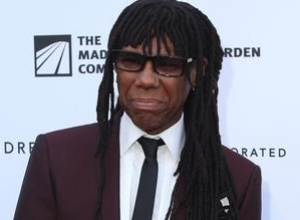 Nile Rodgers Busks on London's South Bank, Makes £12.20