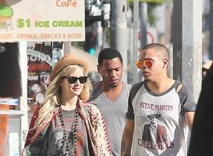 Ashlee Simpson And Evan Ross Go Public With Engagement News
