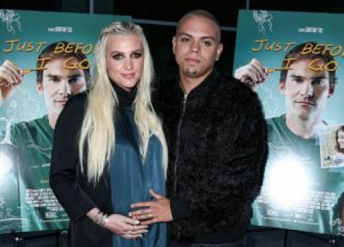 Ashlee Simpson's 'chill' baby shower