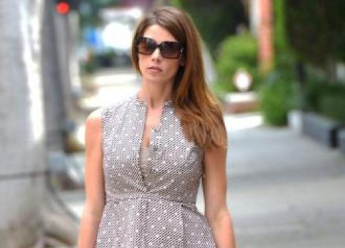 Ashley Greene pressured by Hollywood