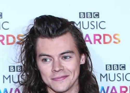 Harry Styles Teases Release Of Solo Single With Tv Ad