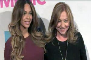 Beyonce And Taylor Swift Turn Heads At Billboard Women In Music 2014 - Part 3