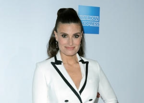 Idina Menzel Reconnected With Husband-to-be After Drunken Phone Call