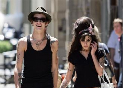 Amy Winehouse forced into divorcing Blake Fielder-Civil by family