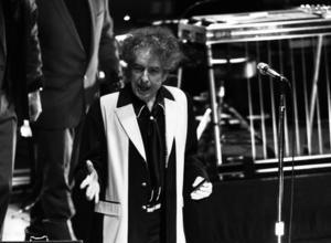 Bob Dylan Gives 50,000 Copies Of New Album To The Elderly