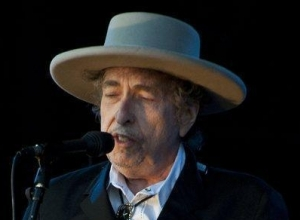 Bob Dylan Pays Tribute To Jimi Hendrix And Johnny Cash While Accepting MusiCares Person Of The Year Award
