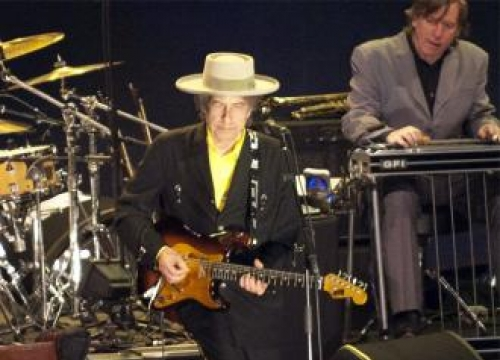 Bob Dylan sings for David Letterman