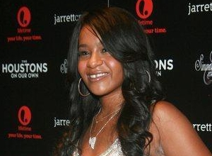 "Cissy Houston Opens Up About Bobbi Kristina's Condition, Claims There Is ""Not A Great Deal Of Hope"""