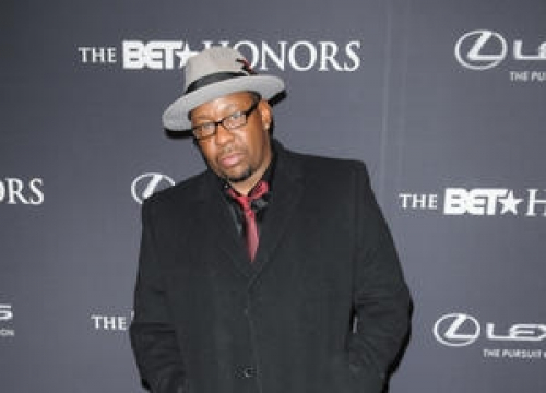 Bobby Brown Speaks About Bobbi Kristina During First Performance Since Daughter's Hospitalisation