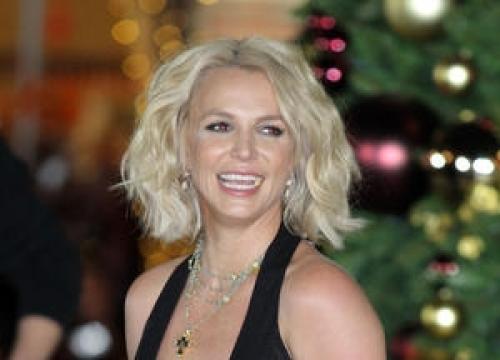 Britney spears meets hillary clinton but deletes endorsement