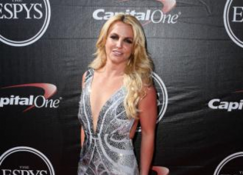 Britney Spears' Daily Yoga Workout