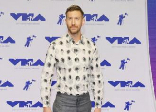 Calvin Harris And More Stars Honour Avicii