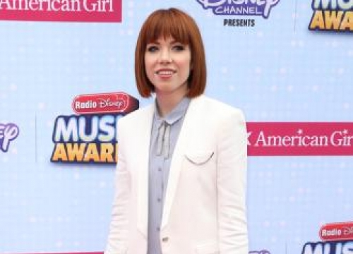 Carly Rae Jepsen 'can't wait' to turn 30