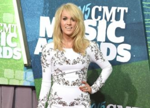 Carrie Underwood sweeps board at CMT Awards