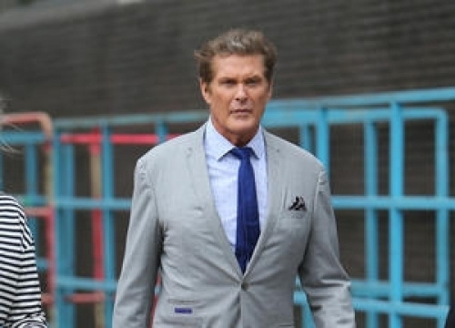 David Hasselhoff Wears Ring In Father's Honour