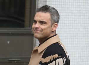 Robbie Williams Announces New Album 'Heavy Entertainment Show'