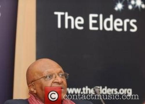 Desmond Tutu Recovering After Hospital Stint