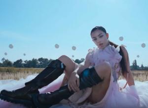 Charli XCX - White Mercedes Video