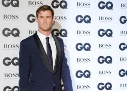 Chris Hemsworth Cast In Jay And Silent Bob Strike Back Reboot