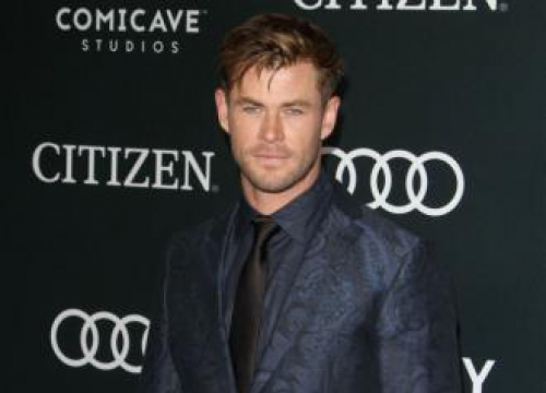 Chris Hemsworth Loves Acting With Tessa Thompson