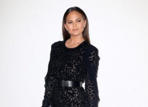 Chrissy Teigen Teases John Legend Over Oscar Mix-up