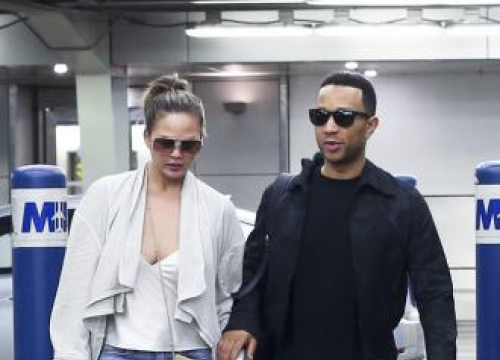 Chrissy Teigen Cries To John Legend About Her Appearance