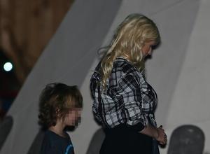 Christina Aguilera Treats Fans To Free Coffee