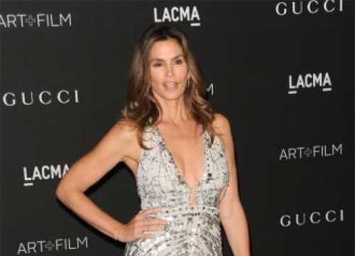 Cindy Crawford Reveals Her Favourite Fashion Moments