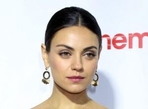 Mila Kunis Forced To Describe Ashton Kutcher's Manhood On 'Late Late Show' Game
