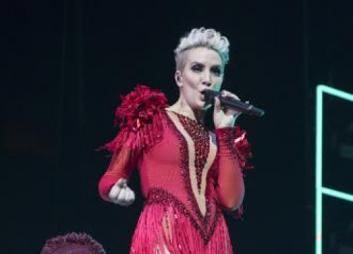 Claire Richards Undergoes Vocal Physiotherapy Before Steps Tour