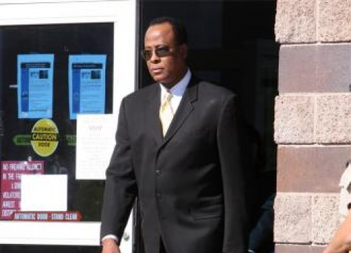 Conrad Murray Wants Medical Licence Back