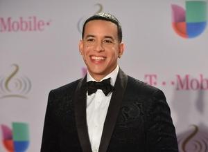 Pedro Fernandez & Gaby Espino To Host Latin Music Awards