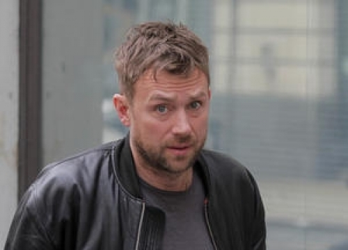 Damon Albarn Recovers From Throat Problems To Headline U.k. Festival
