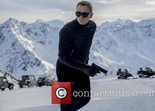 Daniel Craig Shoots Nepal Appeal