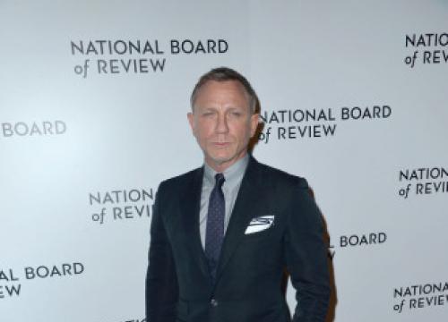 Daniel Craig Burns Through 20 Suits In A Single Bond Action Scene