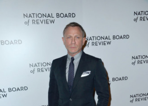 Daniel Craig Glad Producers 'Held Their Nerve' Over No Time To Die Release