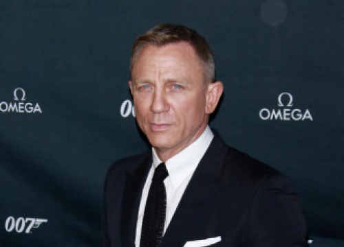 Daniel Craig Sees Long Future For Knives Our