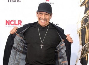 Watch Steve Buscemi And Danny Trejo Transported Into 'The Brady Bunch' In Snickers' Superbowl Spot