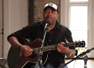 Darius Rucker - Homegrown Honey (Acoustic) Video