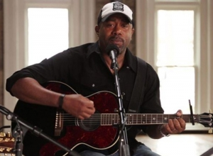 Darius Rucker - Southern Style (Acoustic) Video