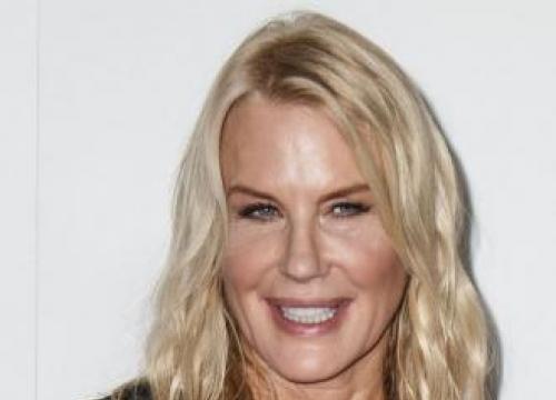 Daryl Hannah: Hollywood still male-dominated