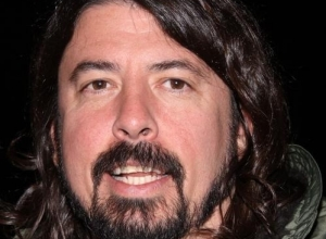 Dave Grohl Dedicates THREE Songs To Taylor Swift At Radio 1's Big Weekend