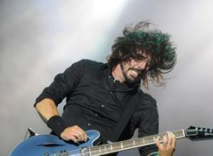 Dave Grohl and Nine Inch Nails at Grammys