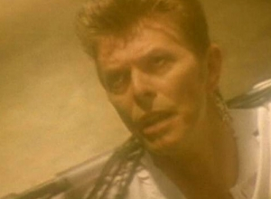 David Bowie - Hallo Spaceboy Video