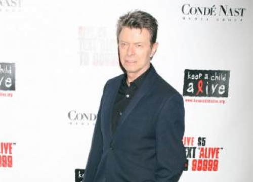 David Bowie Fans To Raise Money For Memorial Statue
